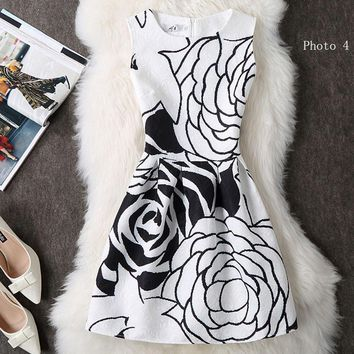 Fashion printed sleeveless dresses show tall waist small pure and fresh short dress