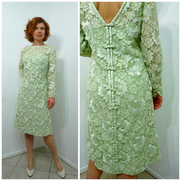 Vintage 1950s dress Lace lime Vintage 50s Cocktail dress V-beck Bow