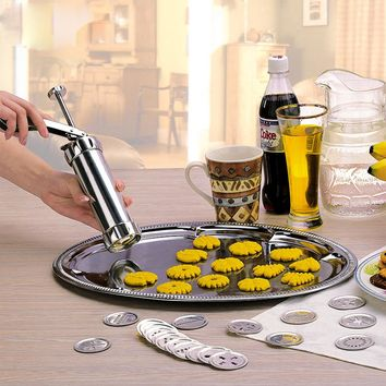 Cookie Press Kit Gun Machine Cookie Making Cake Decoration 4 Press Molds & 20 Pastry Piping Nozzles Cookie Tool Biscuit Maker