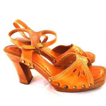 81c616131 Connie Yoyos Boho 60s 70s Cognac Leather w  Cut Outs Wooden Sole