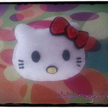 1 sweet, cute and kawaii Hello Kitty felt plush handmade keychain (or brooch)