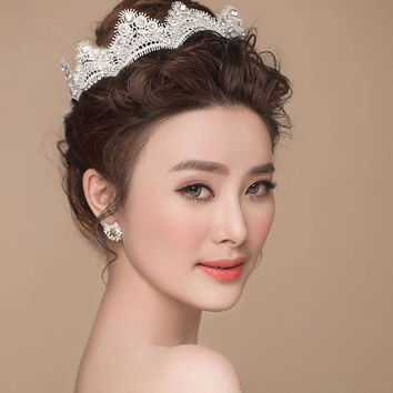Bride Headdress  Lace   Crown  And Earrings Girl Crown Handmade White Floral Headband Bridal Bridesmaid Headpiece