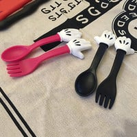 2pcs/set Cute Mickey Mouse hand Tableware Spoon Fork Plastic PP Kids Flatware Dinnerware Sets D7