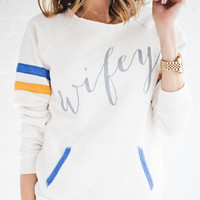 Wifey Sweatshirt - Ivory – Ily Couture