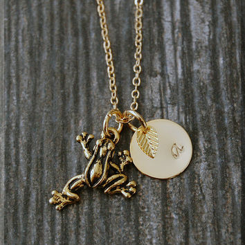 Gold Tree Frog Necklace, Initial Charm Necklace, Personalized Necklace, Frog Charm, Frog pendant, Frog Jewelry, Jungle Creature Jewelry