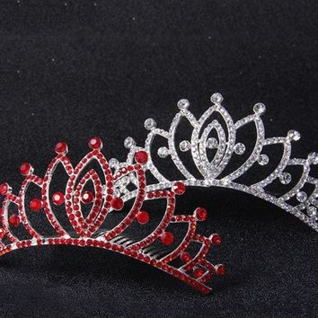DCCKIX3 Diamond crown Wedding Dinner Bride Headdress Show  Accessories (Color: Silver)