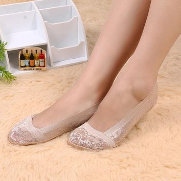 Fashion Accessories 1 PAIR Summer Women Lady Girl Floral Lace Antiskid Invisible No Show Peds Low Cut Socks