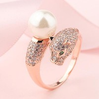 8DESS Cartier Leopard Head Women Fashion Pearl Plated Ring
