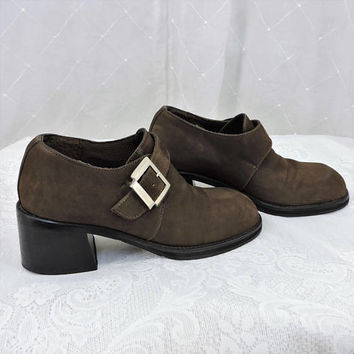 90s chunky shoes / US size 7 / brown suede oxfords / Andrea minimalist chunky leather buckle oxfords / originally 249.90 / SunnyBohoVintage