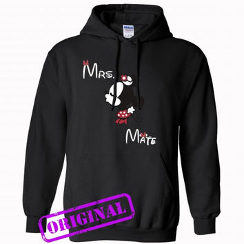3 Minnie Kissing Mickey + Mrs + Mate for women for hoodie black, hooded black unisex adult