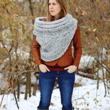 Exact Replica of Katniss cowl vest scarf shawl / Hunger Games Catching Fire / MADE TO ORDER