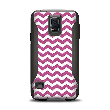 The Dark Pink & White Chevron Pattern V2 Samsung Galaxy S5 Otterbox Commuter Case Skin Set