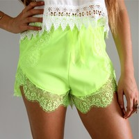 FESTIVAL BEACH NEON GREEN WRAP CROSSOVER SCALLOPED LACE HEM SHORTS 6 8 10 12