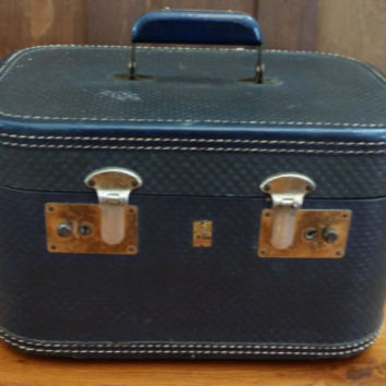 Vintage Navy Belber Train Case Cosmetics Case Luggage Mid Century Hardside Suit Case Great Retro Travel Style Decor Day Trip