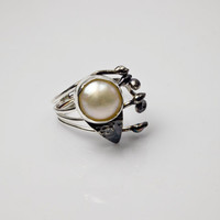 Designer Ring - Triangle and A Pearl -  Sterling Silver - Hands Collection