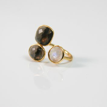 Gold Three Quartz Stone Ring