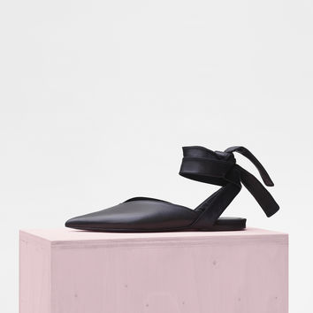 Soft V Neck Strappy Flat in Nappa Lambskin