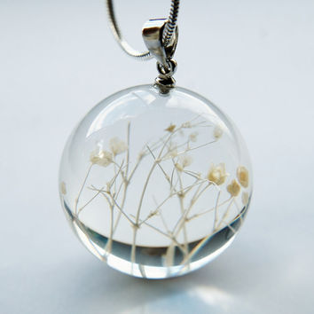 Snow White Flower Necklace Cream White Baby's Breath Resin Ball Handmade Orb Globe Pressed Flower Jewelry Crystal Statement Gift for Her