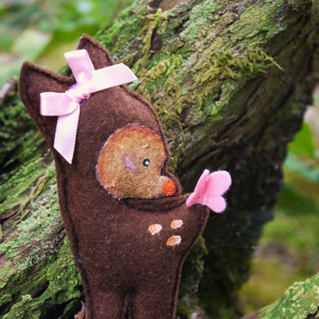 Kawaii brown woodland Bambi, deer, fawn hair clip or Brooch. Cute hand painted felt baby deer. Ideal Christmas Stocking filler.