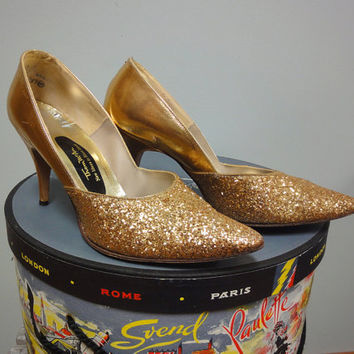1960s Gold Glitter Pumps, Stiletto Spike Heels, Thom McAn, Mad Men, Bombshell Shoes