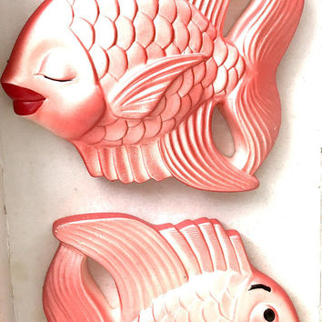 Vintage Chalware Fish Set 1950s Miller Studio Pearlized Multi Color Coral Kissing Fish Wall Plaques Wall Decor Vintage Chalkware Collectible