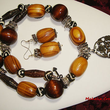 Chunky wood necklace, african inspired,  tribal necklace, wood and bone, brown beaded necklace, statement jewelry, ethnic necklace