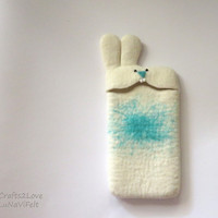 Custom phone. Cute felt iPhone 5 case, felted iPhone 6 case. Bunny felt phone case, Eco-Friendly white wool bunny mobile case. Gift for her.