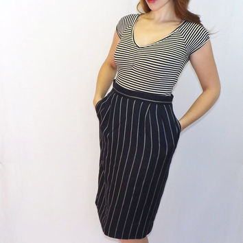Vintage Size 12 Amanda Smith Sexy Librarian 30s 40s Style Navy Blue Nautical Pinstripe Pencil Skirt Mad Men Wiggle Skirt Pin up Girl