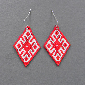 Red and  White seed bead earrings - Peyote Earrings, ethnic jewelry