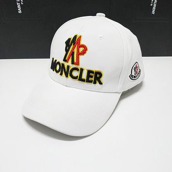 Moncler Fashionable Embroidery Sports Sun Hat Baseball Cap Hat White
