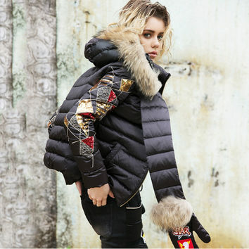 Brand Personality Young Women Short Jacket Duck Down 2016 Winter Fur Parkas Hood With Gloves Female Down Outerwear Designer Coat