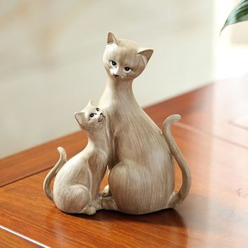 Elegant Cute Mom And Kitten Personality Resin Cat Figurine Statues