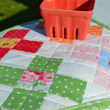Quilted Granny Square Mama Block Mini Quilt Table Mat Table Runner Table Topper Pam Kitty Picnic