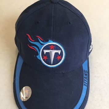 RETRO ADIDAS TENNESSEE TITANS NAVY CURVED BRIM ADJUSTABLE HAT