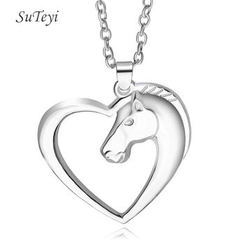 SUTEYI Hot Sell Love Heart Horse Necklace Alloy Anime Horse Pendant Plated Silver/ Gold Chain Necklaces Jewellery Gift for Mom
