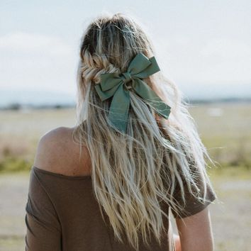 Social Butterfly Clip In Hair Bow - Olive