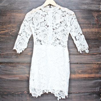 Lioness killer lace dress in white
