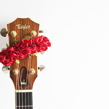 guitar accessories / Ribbon lei for guitar / red flower / music gift / guitar display