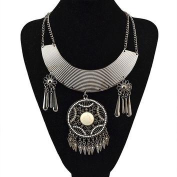Bohemian Style Tribal Style Silver Plated Vintage Iron Long Chain Round Pendant Necklace