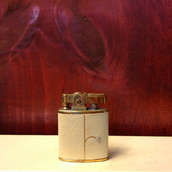French White Buxton Daisy Flower Lighter with a by TheLeafery