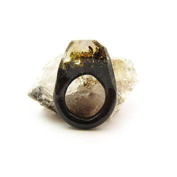 Smoke Lichen Moss Resin Ring • Size 5.5 • Eco Resin Ring • Asymmetrical Unusual Ring • Faceted Resin Terrarium Ring • Nature Moss Resin Ring