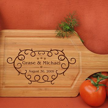 ikb474 Personalized Cutting Board Wood wedding gift anniversary date names wooden wedding