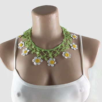 Crochet Daisy Necklace- Beaded Statement Necklace - Boho Chic Summer Necklace - Fabric Flower Necklace Gift for Mom