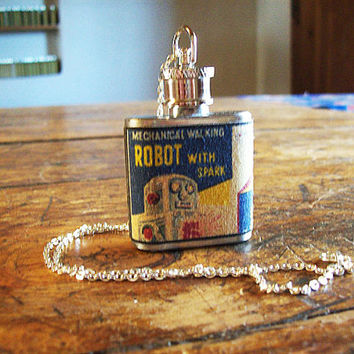 robot necklace flask retro vintage 1950's tin toy clip flask science fiction kitsch
