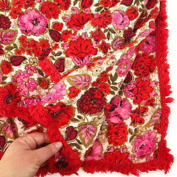 Gorgeous Retro Tablecloth / Vintage Linens, 1950s Floral Fabric / Table Decor / Red, Pink Gold / Dining Room Decor / Mod Mid Century
