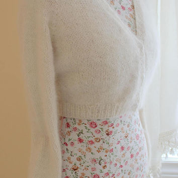 Ready to ship today/ Ivory Wedding Bolero Kate Middleton Sweater knit Cashmere/wool/ v-neck 3 buttons, Long Sleeves/ Will fit S-M sizes