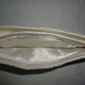 White Gray Bead Zipper Japan Satin Lined Ladies Clutch Hand Bag Purse