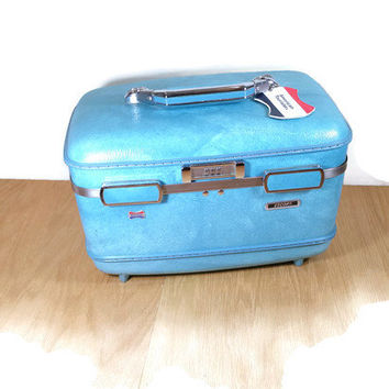 Vintage Luggage Train Case Vintage Cosmetic Case Overnight Carry On Blue American Tourister Travel Case Excellent Makeup Case