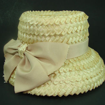 Vintage Amy New York Braided Natural Straw Hat with Tan Grosgrain Ribbon Bow, Raffia Cloche, Woven Straw Bucket Hat