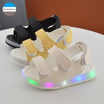 2018 LED lights baby boys and girls sandals summer breathable kids sneakers glowing newborn soft bottom toddler shoes first walk